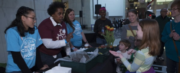 SWE Volunteers Inspire Kids at Spring Make Festival
