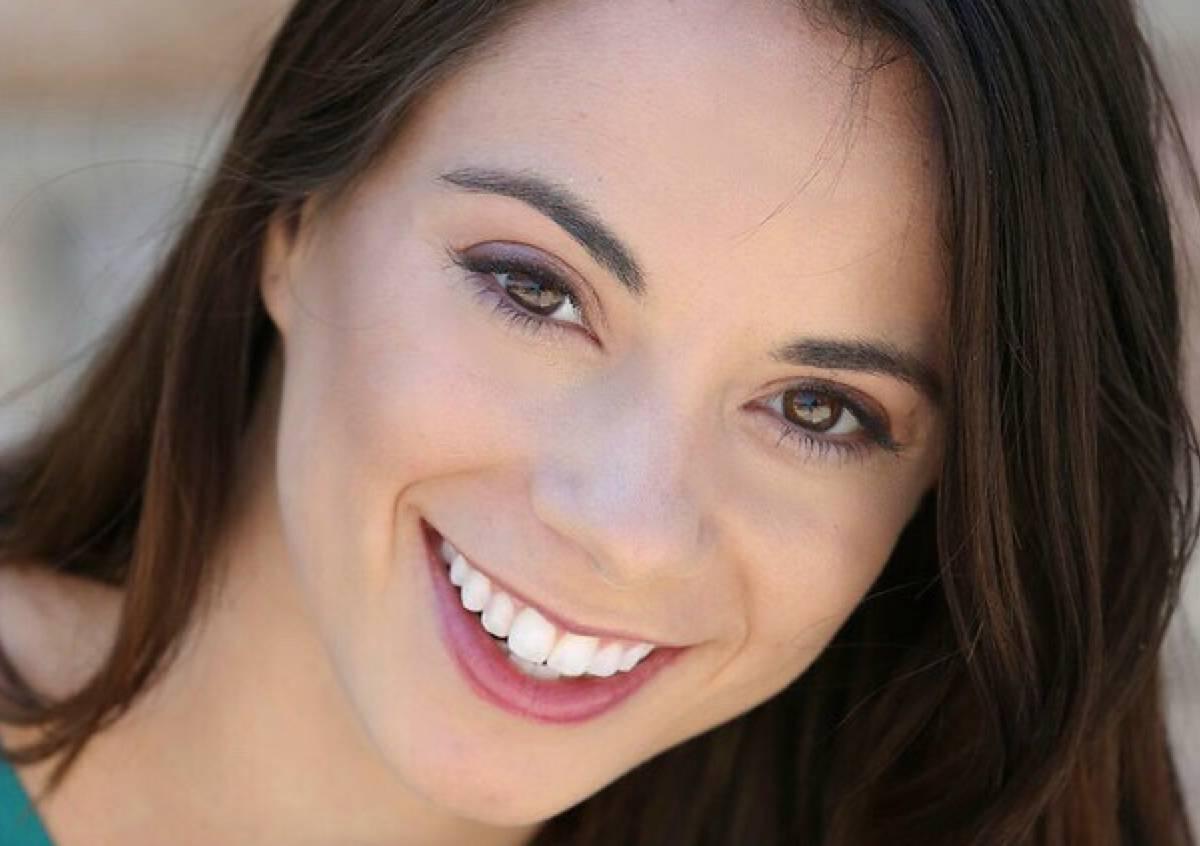 Renee Frohnert headshot