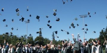 Viewpoint: <br>Graduate School: Overseas or at Home?